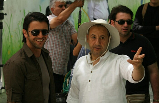 کارگزدانهایی که برای منافع ملی ایران فیلم میسازند سفارشی هستند، اما کسانی که برای سفارت خانه آثار تولید میکنند نه!